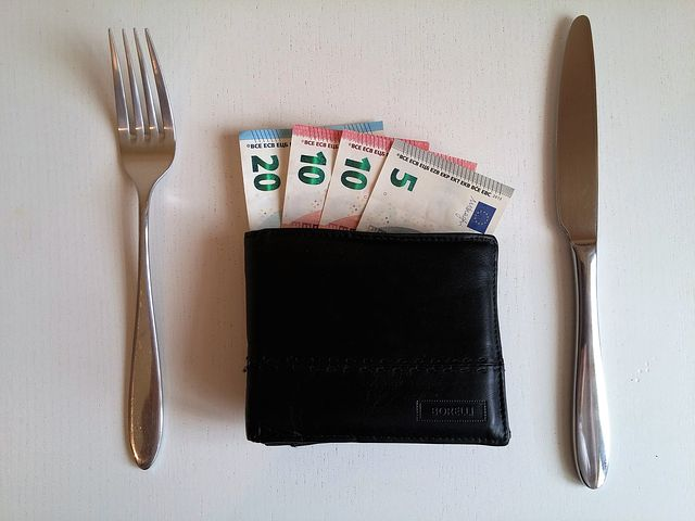 what you need to know about tipping in Italy, the etiquette, the places and how much is in our post, ouritalianjourney.com - https://ouritalianjourney.com/tipping-etiquette-in-italy