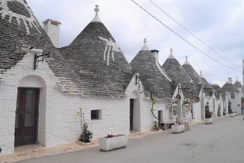 The Trulli wood doors in Alberobello, Puglia, Italy are a sight to behold. UNESCO, unique. ouritalianjourney.com https://ouritalianjourney.com/trulli-door-photos-italy